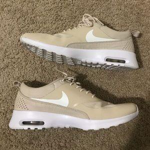 Size 10 tan Nike air max Thea